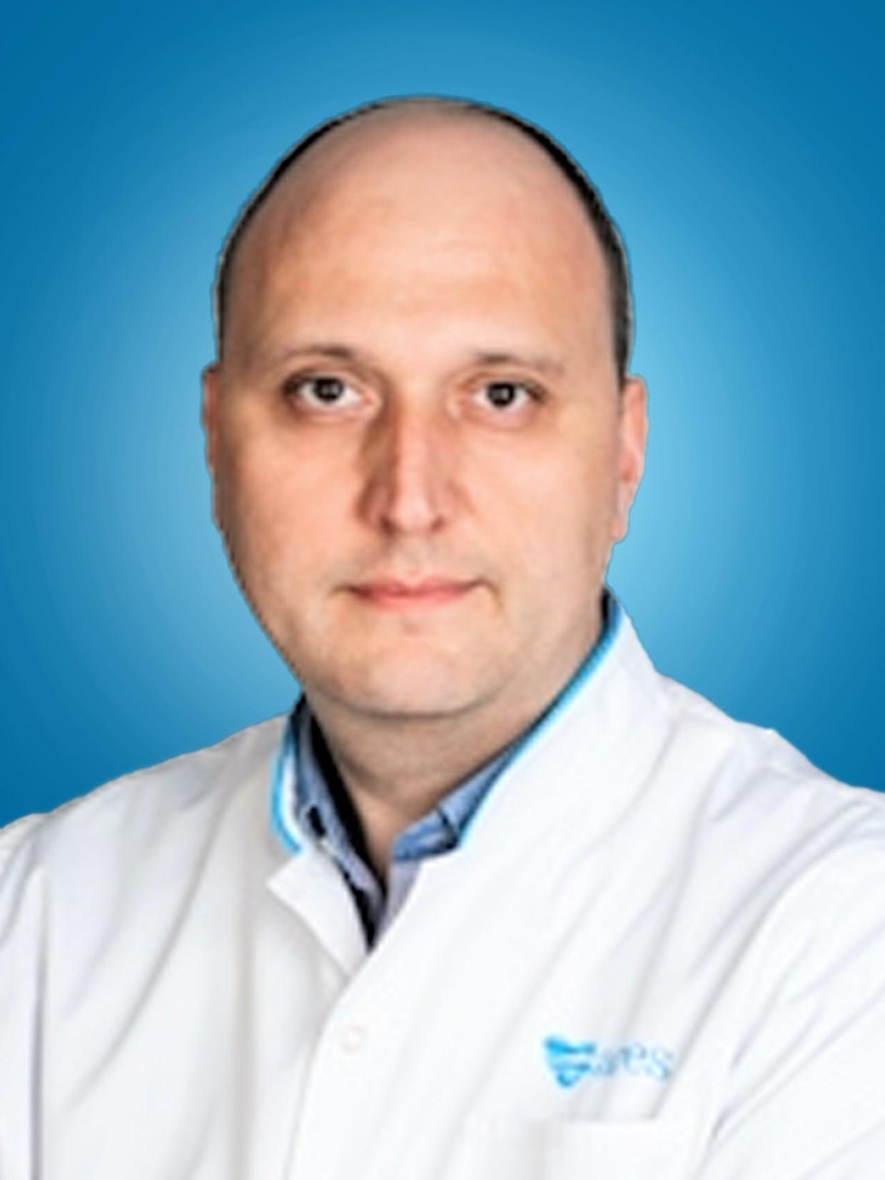 Doctor Adrian Bucsa, medic primar cardiolog la Centrele Ares