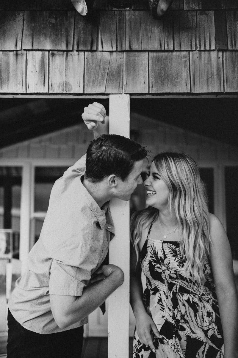 laura-collin-summer-engagement-crystalcove-2019-38