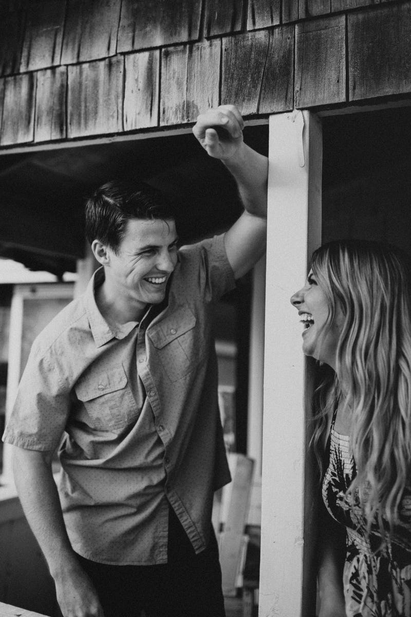 laura-collin-summer-engagement-crystalcove-2019-39