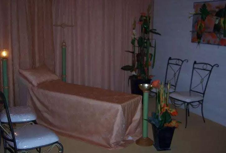 Présentation salon funéraire de la Chambre funéraire Besset