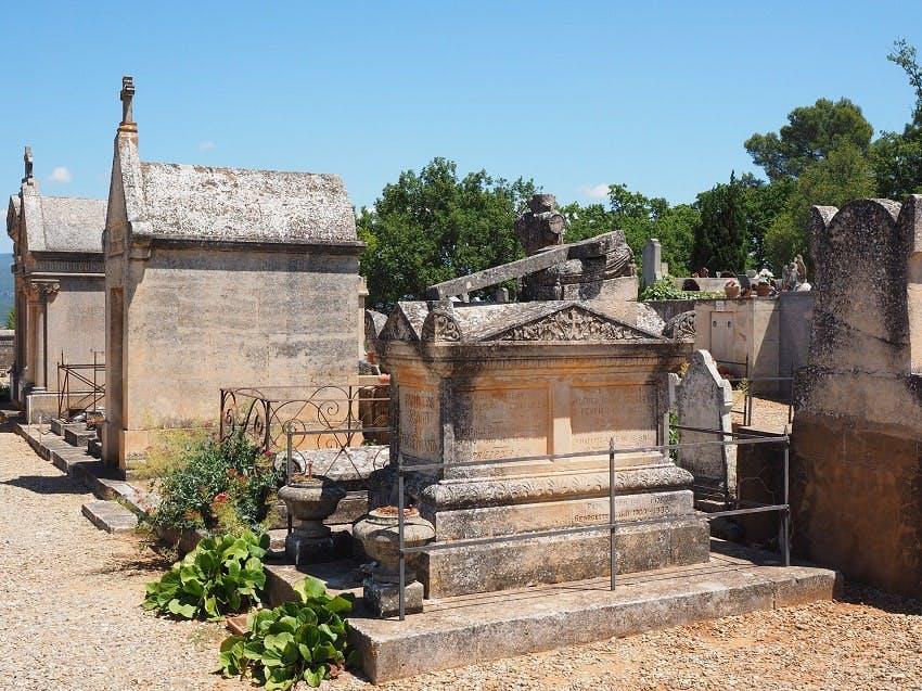monuments funéraires cimetière