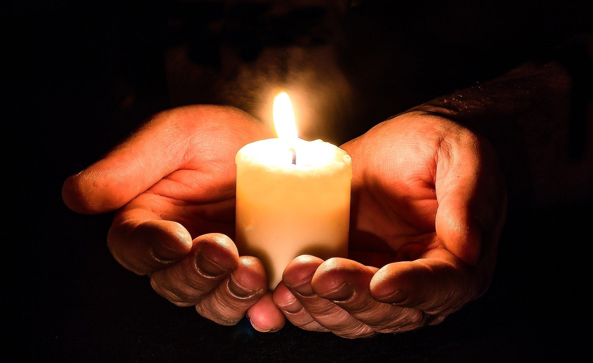 Cartes de condoléances : que dire à qui ?