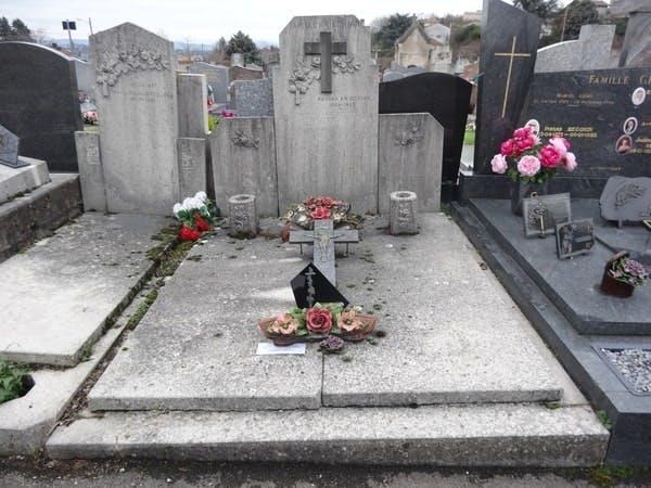 Cimetière St Génis Laval - meilleures-pompes-funebres.