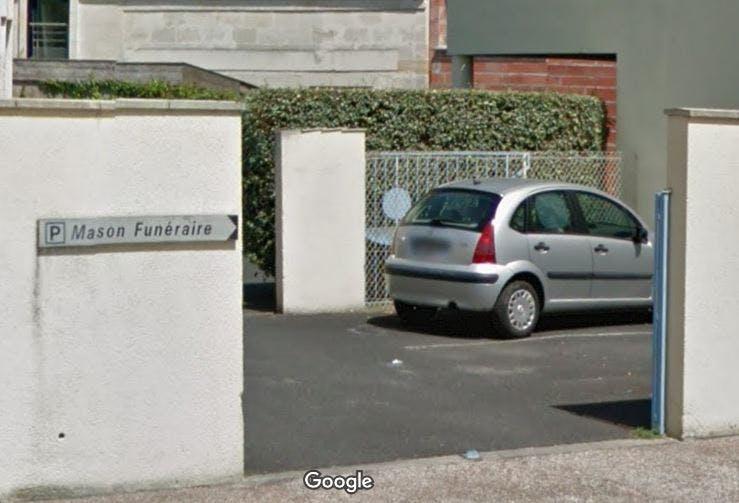 Parking de la Chambre funéraire des PFG