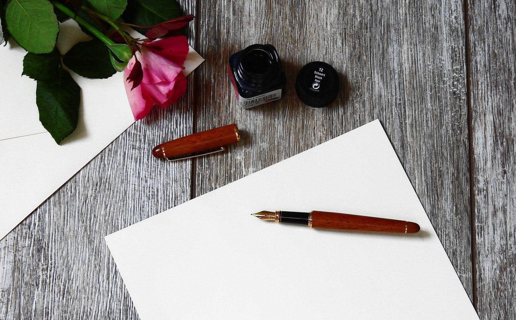 Lettre et stylo