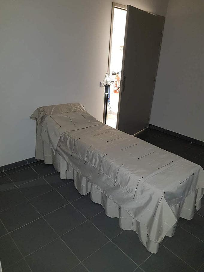 Présentation salon funéraire de la Chambre funéraire Lacroix