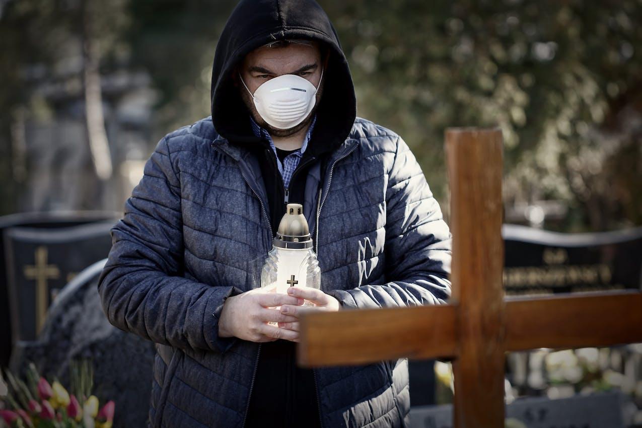 masque protection funérailles