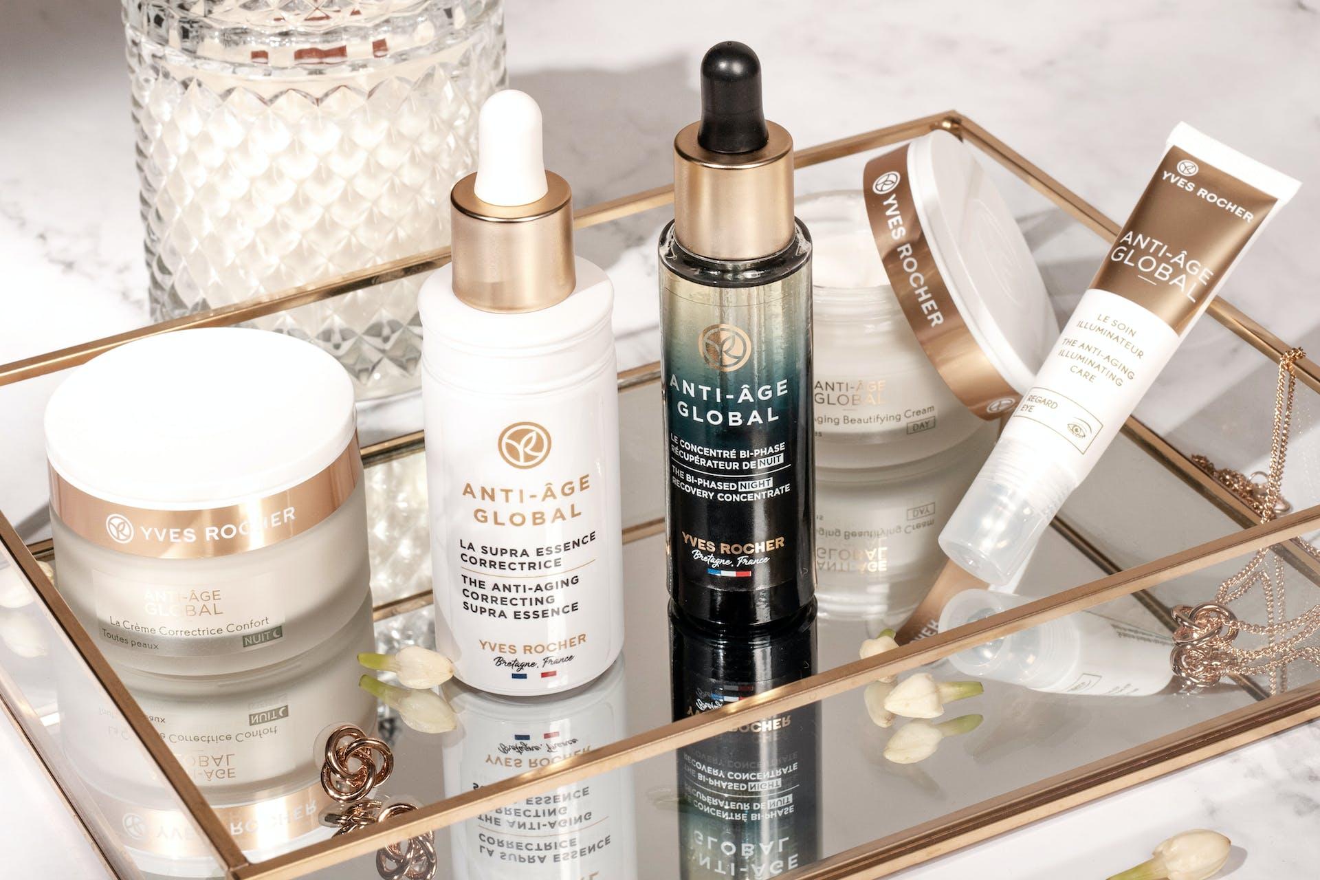 Ein Bild mit Yves Rocher Produkten