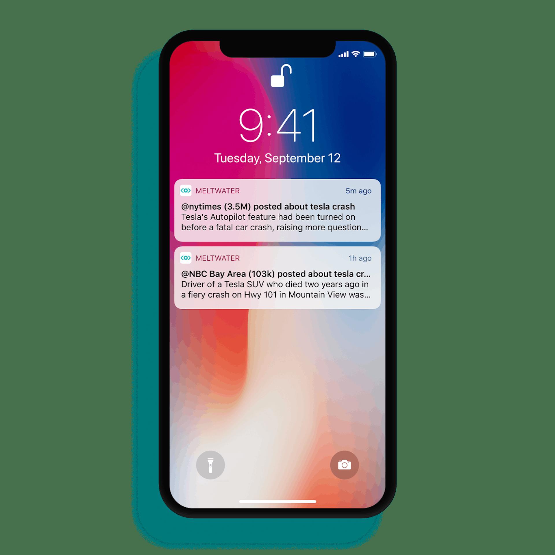 Älypuhelimen näytöllä ilmoituksia Meltwaterin mobiiliapplikaatiosta