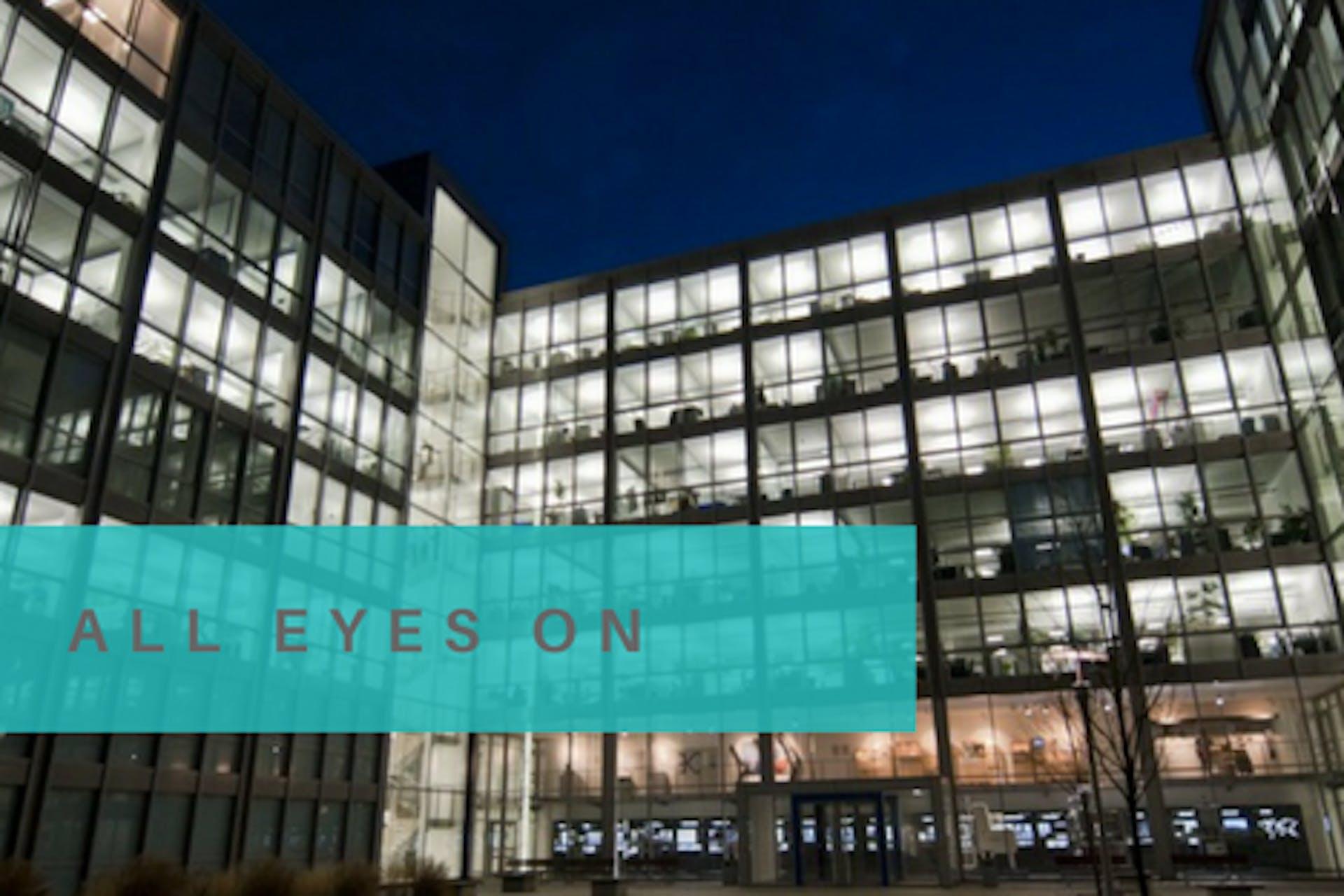 Krones AG Büro Foto Aufschrift All Eyes On