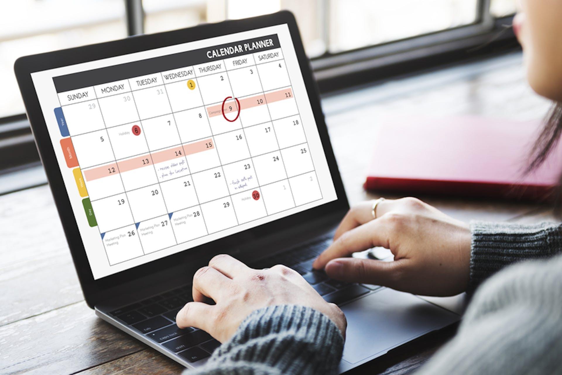 content calendar laptop