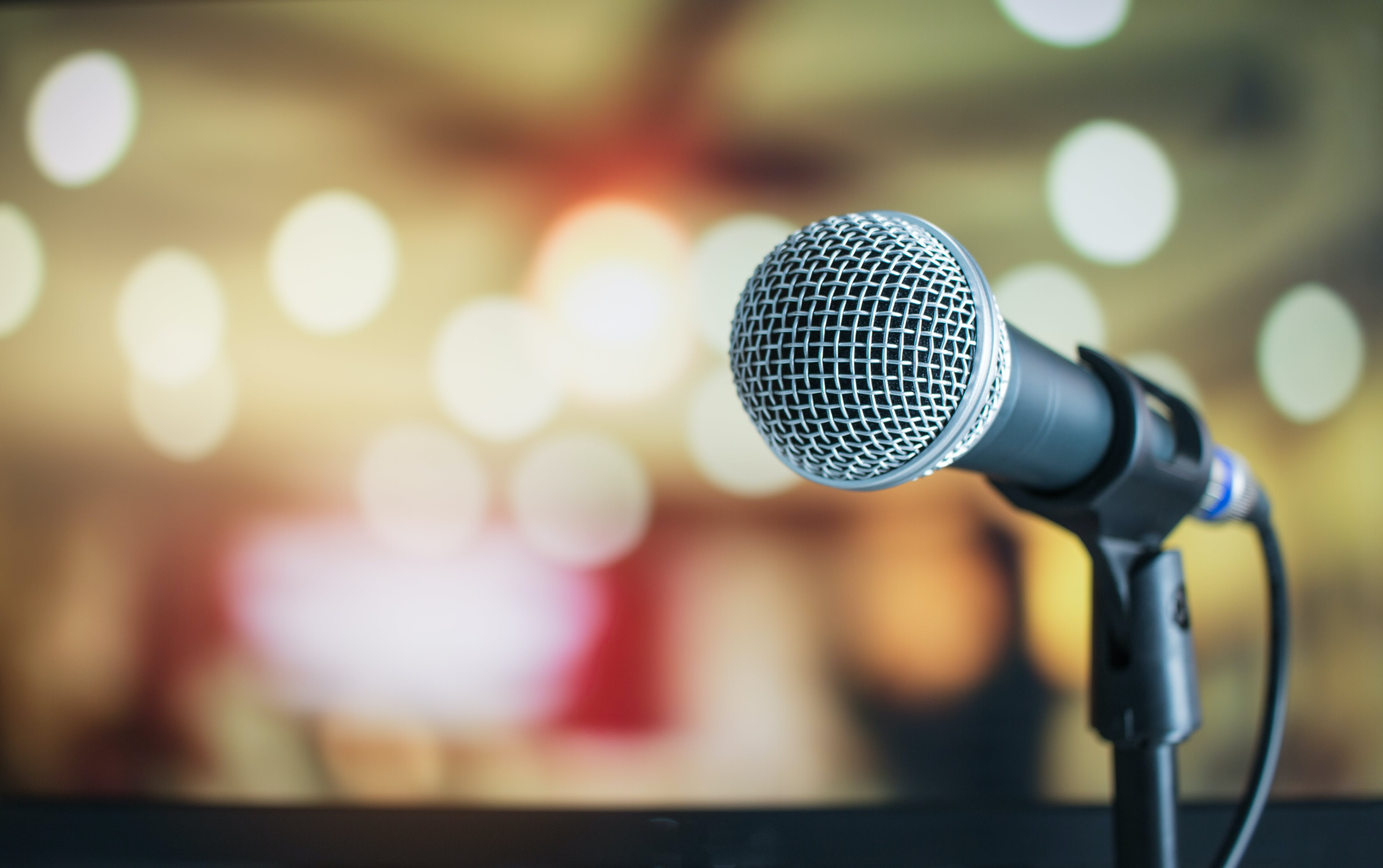 selective focus photograph of microphone