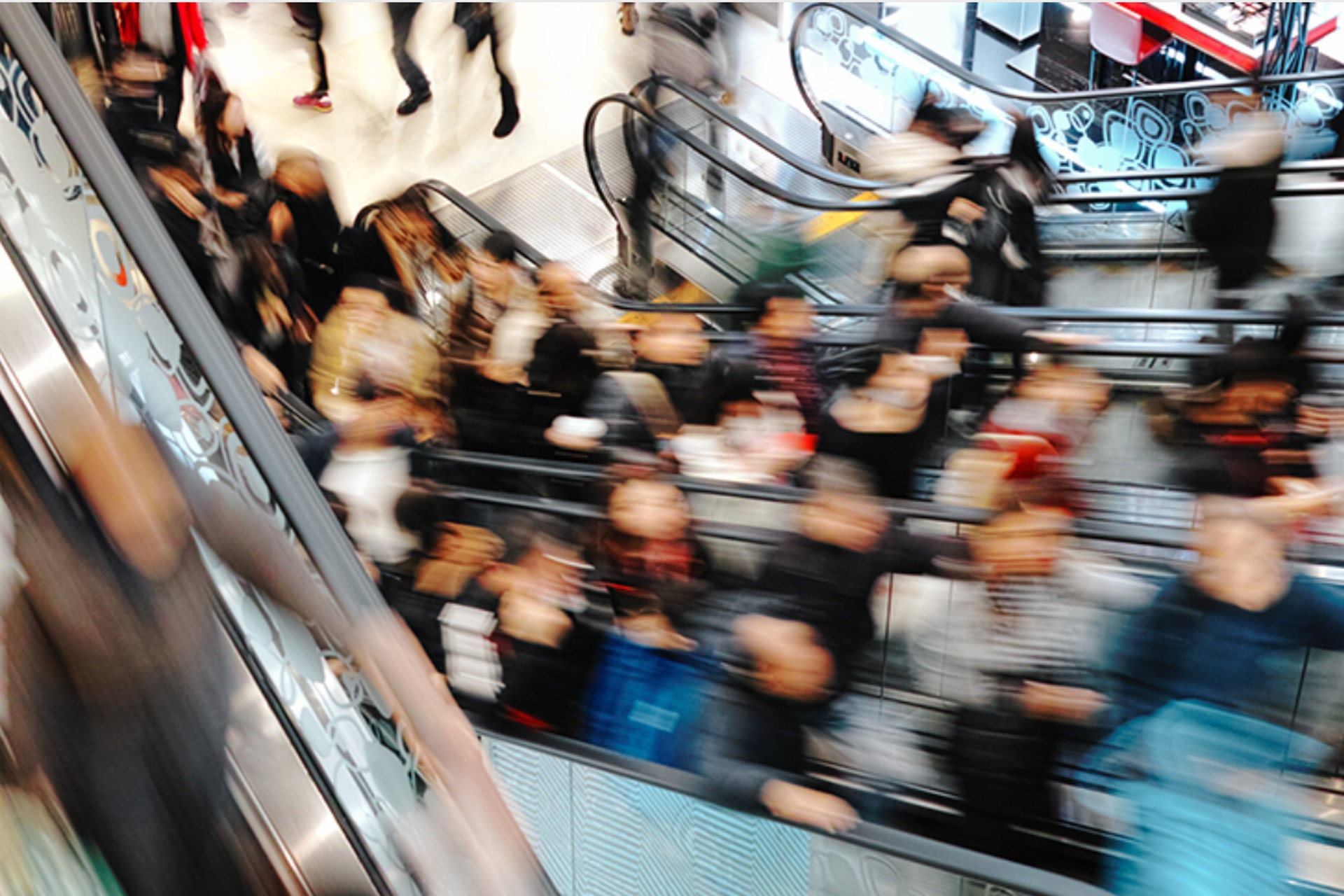 black friday social media shoppers