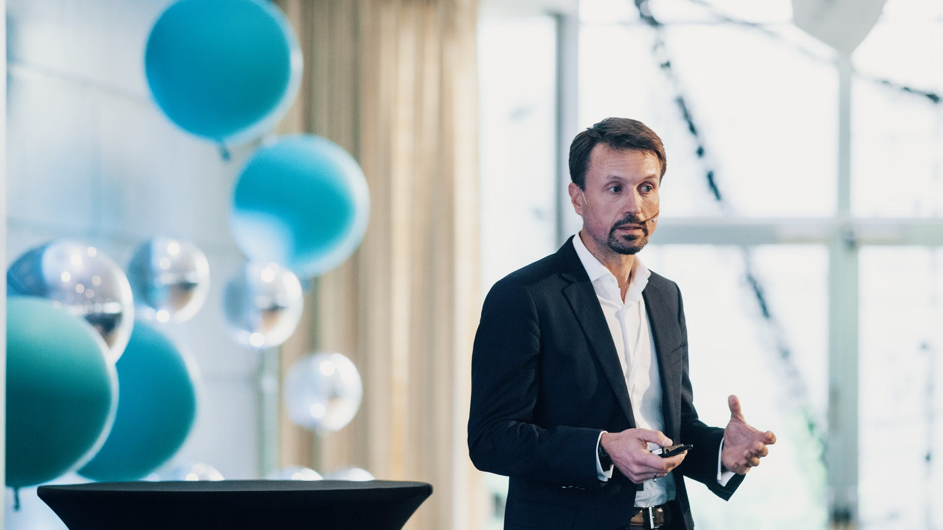Claes Watndal, CEO of Mentis Cura presenting at Abelia Open 2019
