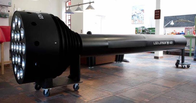 World's largest flashlight