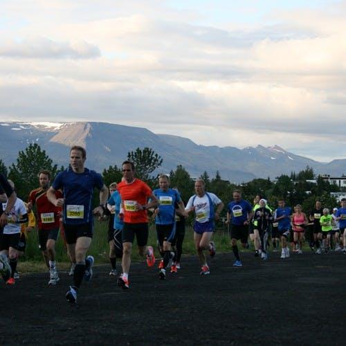 Hlauparar í Miðnæturhlaupinu 2012