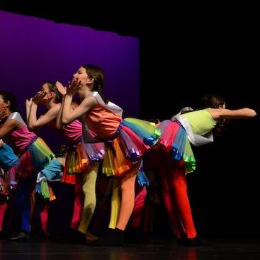 Balletstudio Mirjam Ouwerkerk- jaarlijkse voorstelling in theater leerlingen uit de danslessen in Hazerswoude-Rijndijk en Alphen aan den Rijn doen hieraan mee.