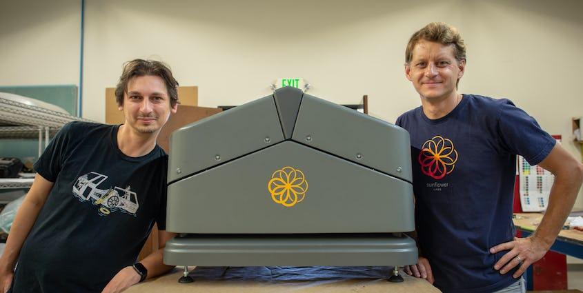 Sunflower Labs Beehive と、Alex Pachikov と Chris Eheim
