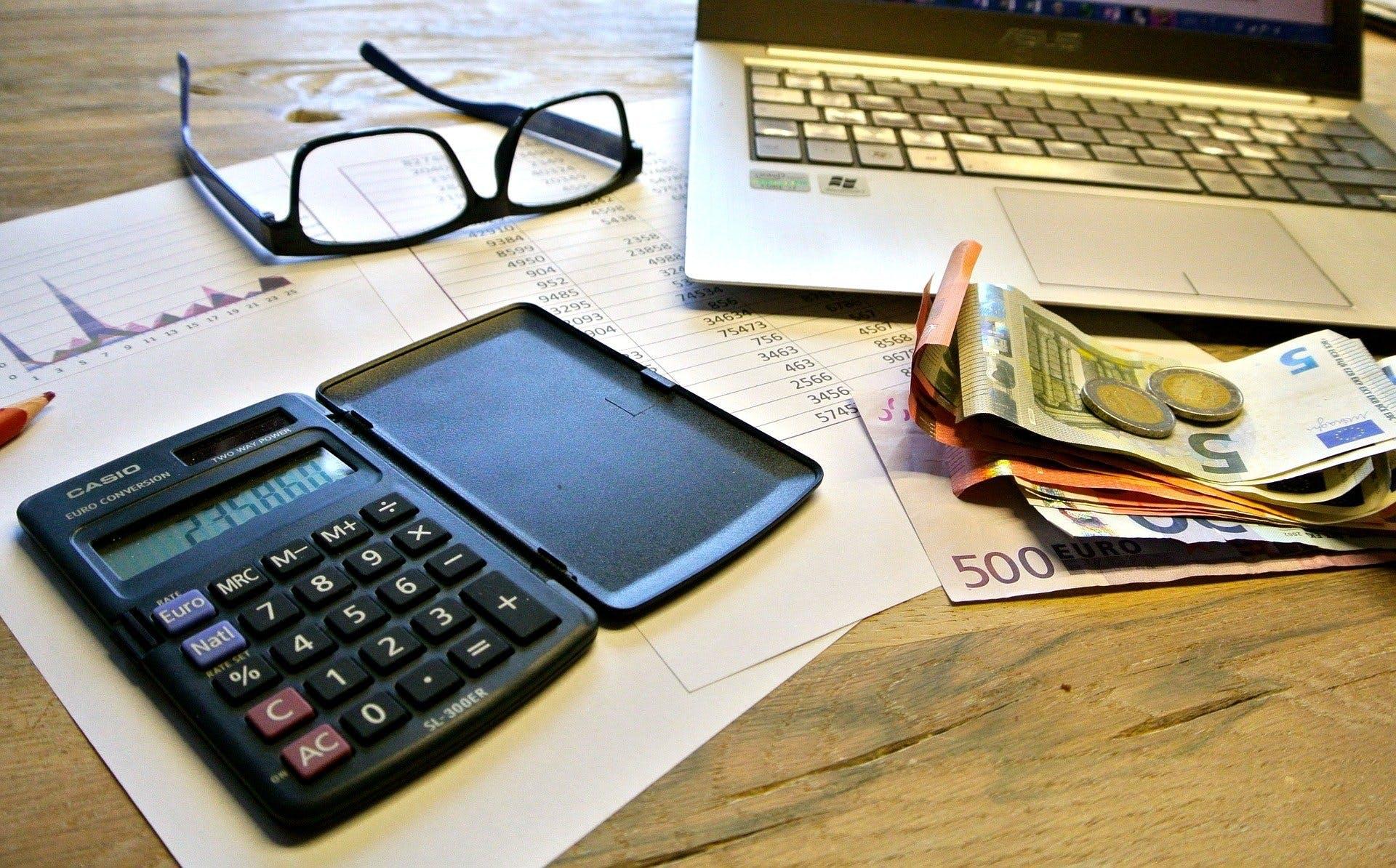 家賃収入がある場合の確定申告の手順を整理。課税の仕組みも解説