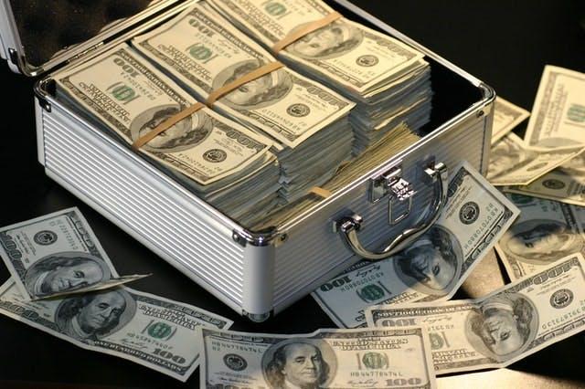 1,000万円でセミリタイアを実現する方法は?理想の生活を考えよう