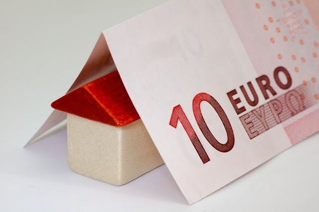 不動産投資を100万円から始める方法。成功する方法や注意点とは?