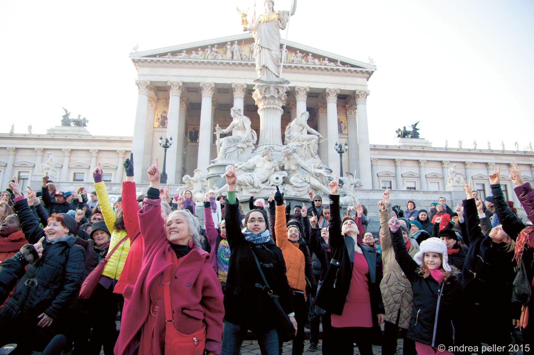 One Billion Rising Austria, Aktion vor dem österreichischen Parlament