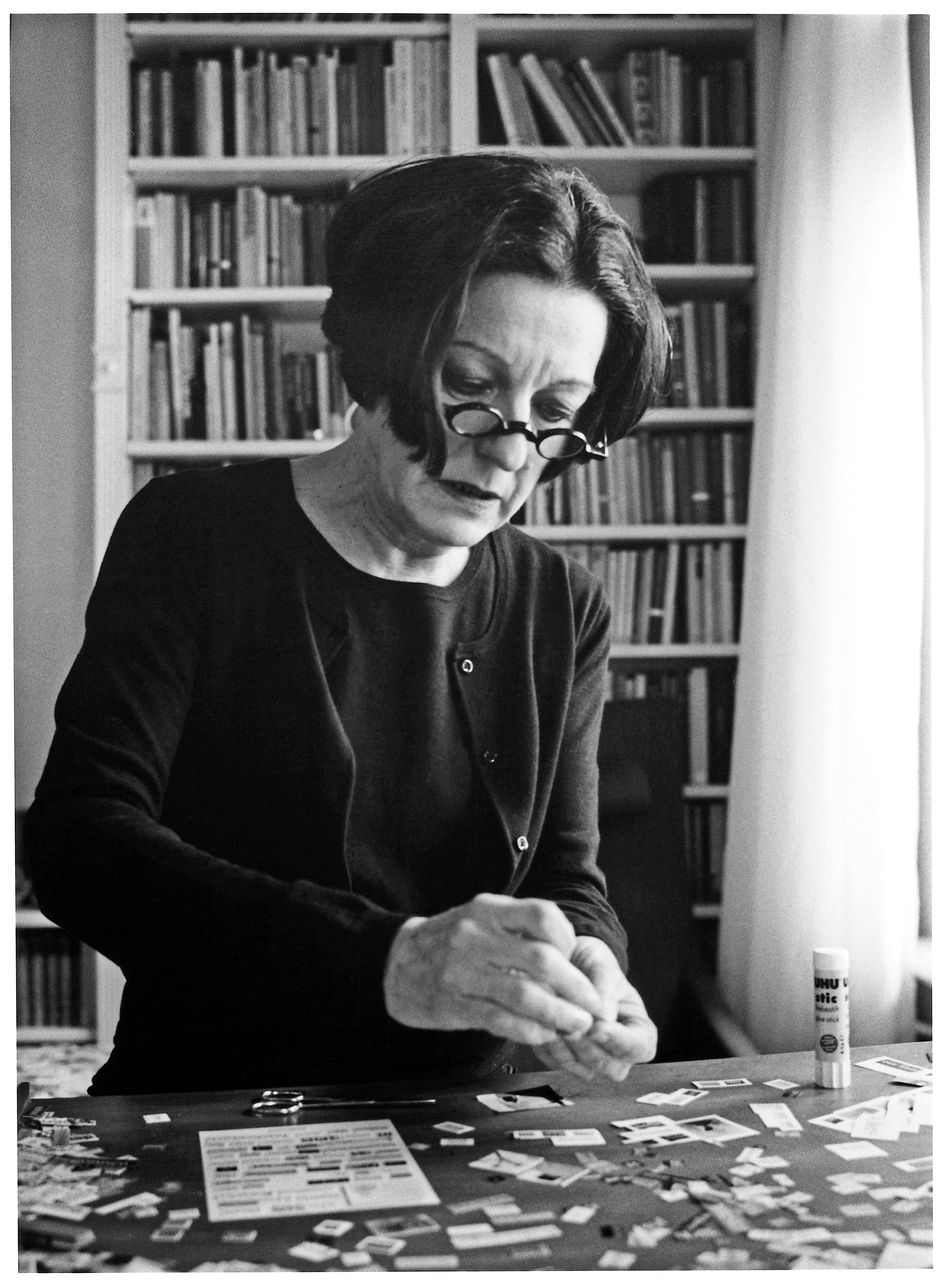 Worte, Worte, Worte: Herta Müller beim Collagieren