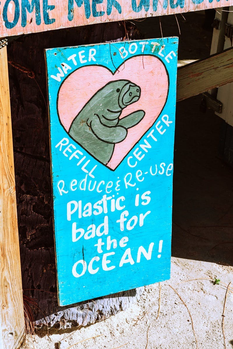 A sign about recycling plastic