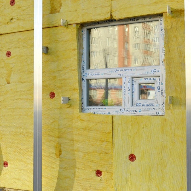 An imagine showing the different types of insulation used on a property.