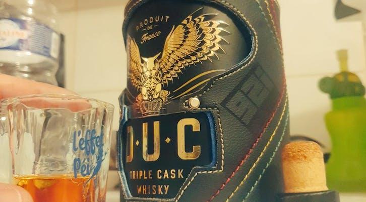 DUC whisky bottle case