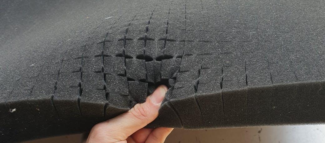 plaque mousse prédécoupée / mousse polyvalent avec fond