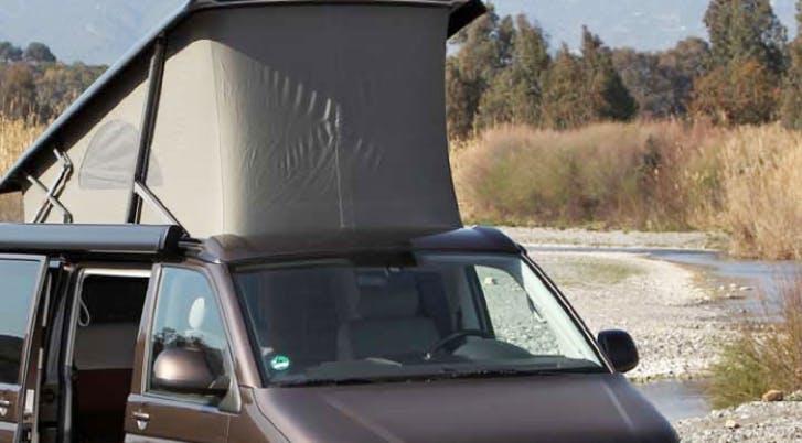 mousse tente toit et véhicule aménagé
