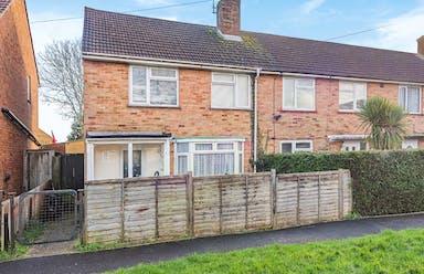Hampshire, PO9 - £187,000