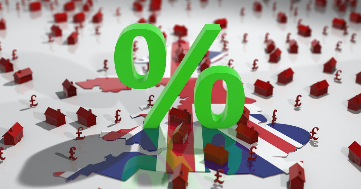 What percentage fee do estate agents charge in the UK?