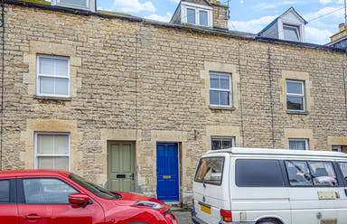Cirencester, GL7 - £248,000