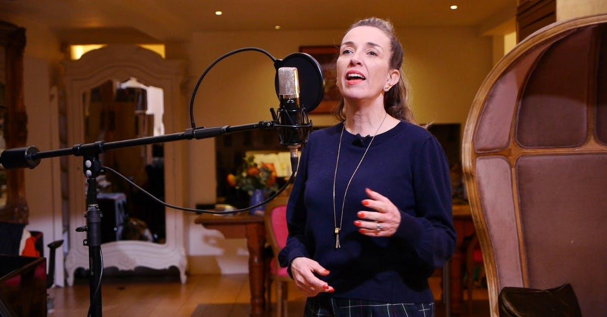 Juliet Russell singing