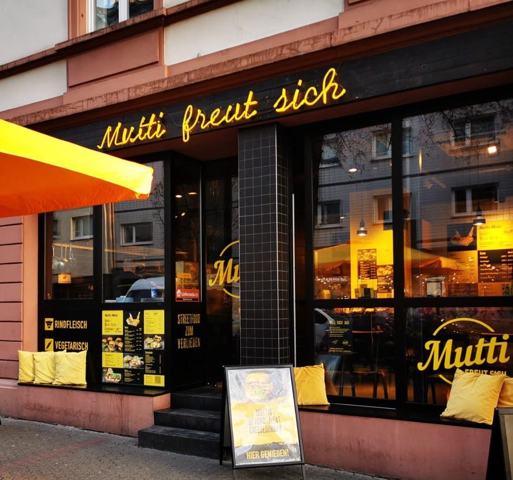 Berger Straße Mutti freut sich