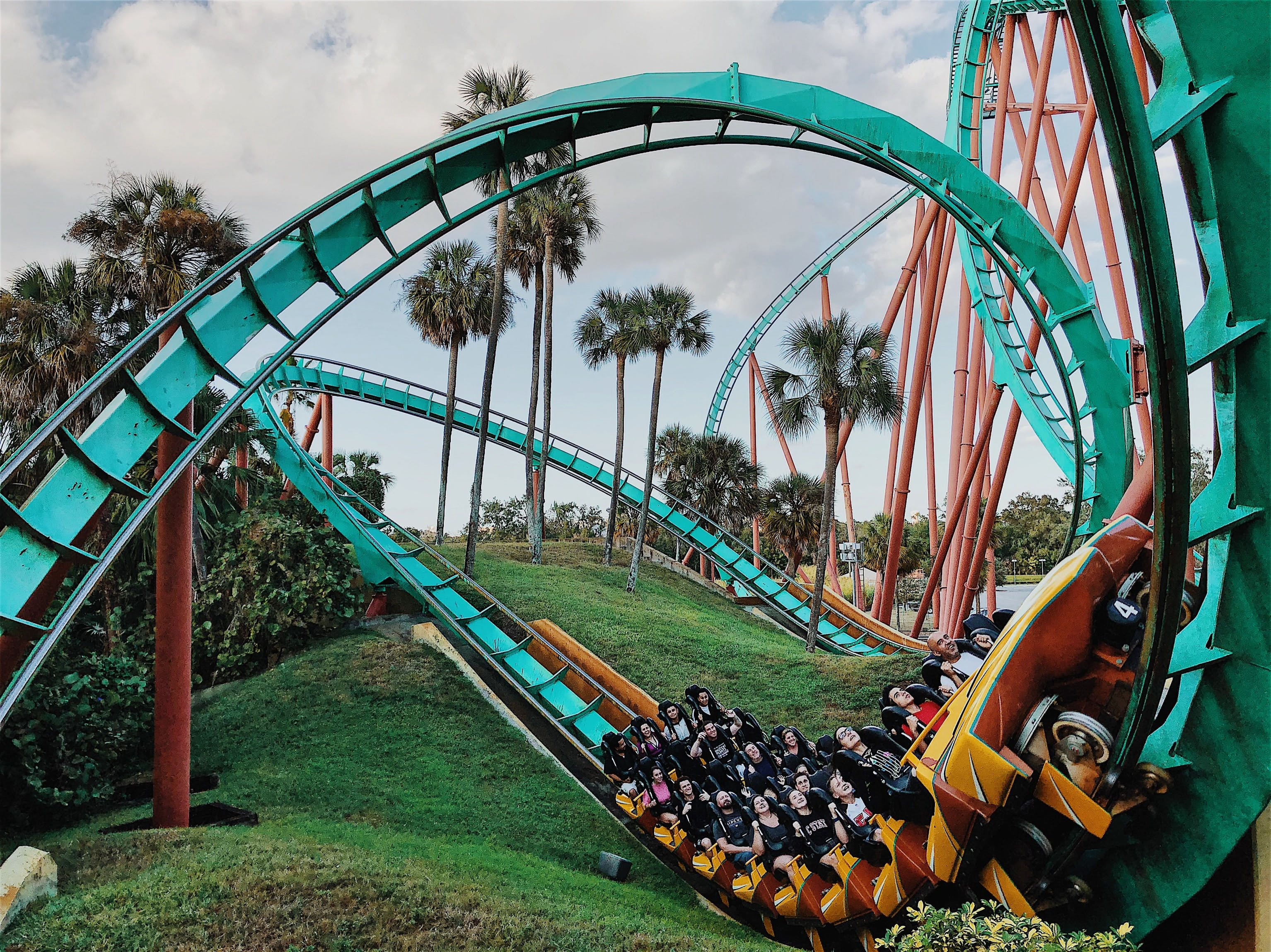 Theme Parks In Barcelona The Ultimate Barcelona City Guide Amusement Parks Water Parks More