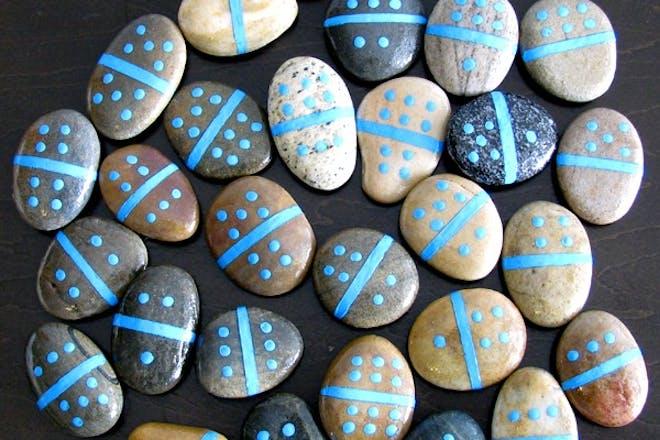 Pebble dominoes