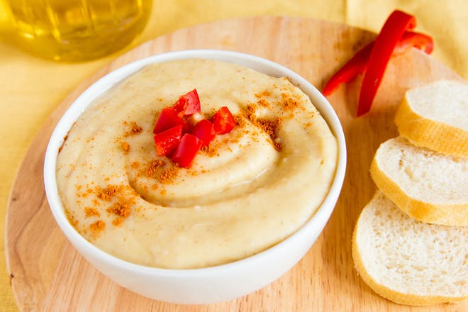 Red peppers and hummus