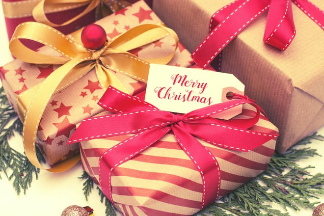 christmas gifts with a merry christmas gift tag
