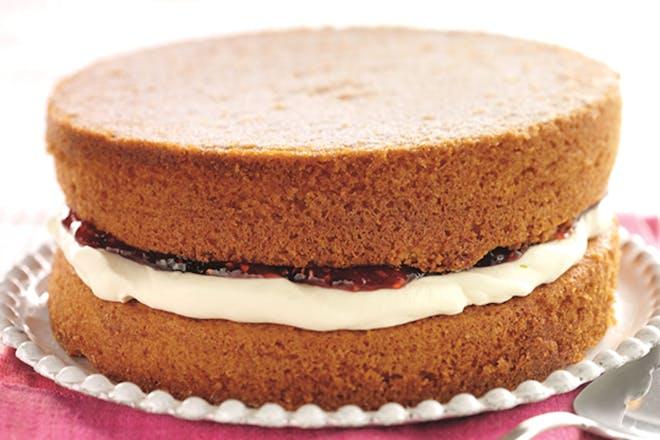 Victoria sandwich recipe. Classic Victoria sponge with cream and jam.