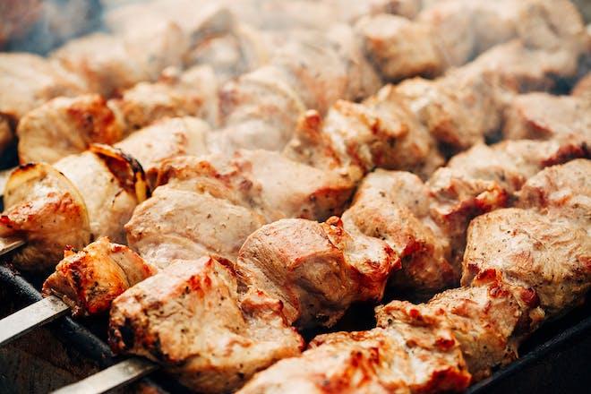Paprika lamb skewers