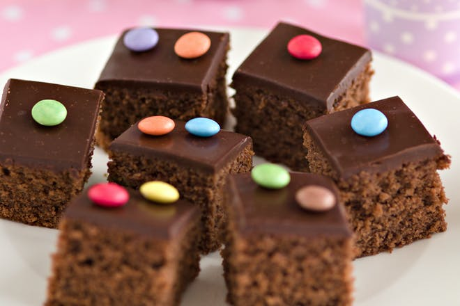 Chocolate traybake recipe. Easy chocolate cake