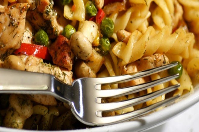 7. Pasta with chicken and vegetables
