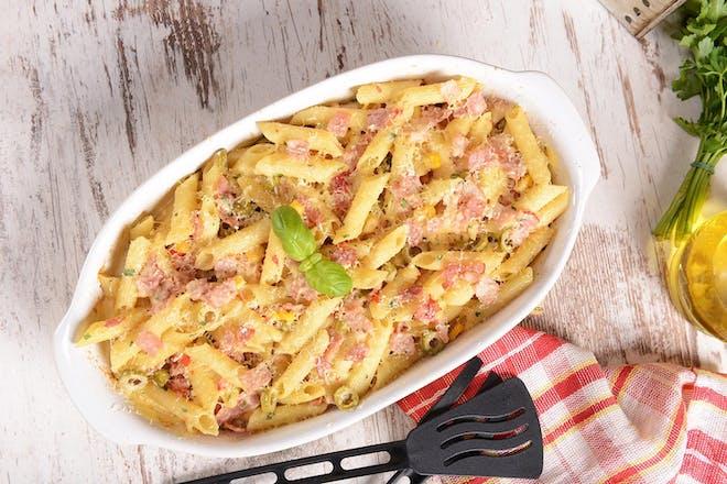 Cheese and ham pasta bake