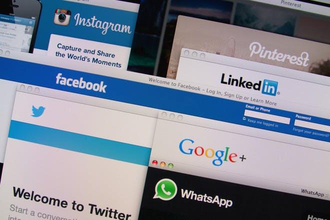 social media tabs