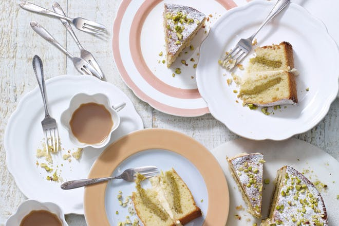 Lemon and pistachio cake. Easter cake recipe