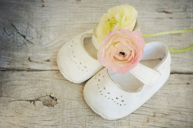 Baby shoes with flowers