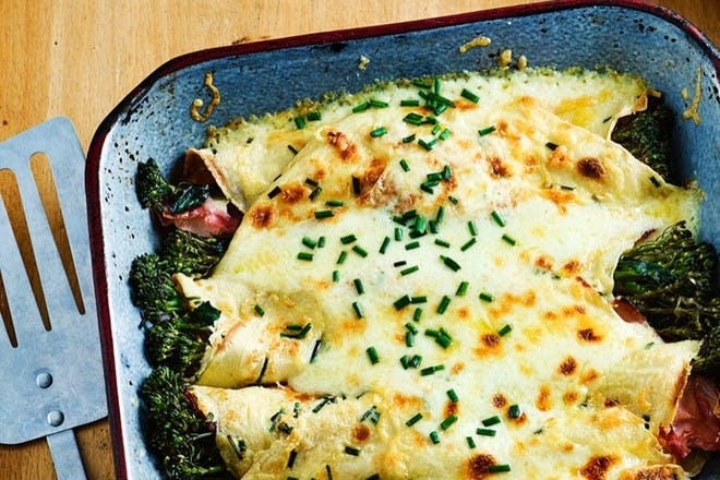 Cheesy pancakes with broccoli and ham